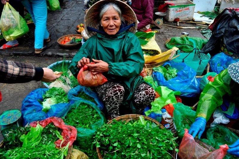Mặc dầu tồn tại giữa nhịp sống hiện đại, nhưng nét văn hóa quê vẫn in đậm dấu ấn của văn hóa đất Quảng.