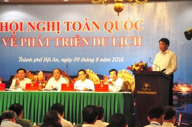 """Chủ tịch Hà Nội khẳng định sẽ bỏ """"giờ giới nghiêm"""" để du khách vui chơi thoải mái về đêm"""