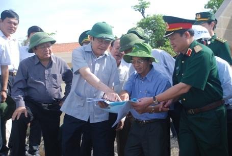 Chủ tịch nước Trương Tấn Sang trong một lần đến thăm và làm việc tại đảo Cồn Cỏ, năm 2014