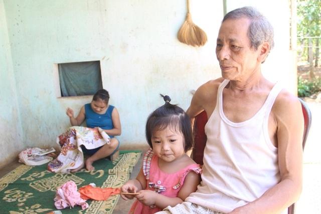 Ông Tân chia sẻ về cuộc sống gia đình mình và việc chăm sóc con cái