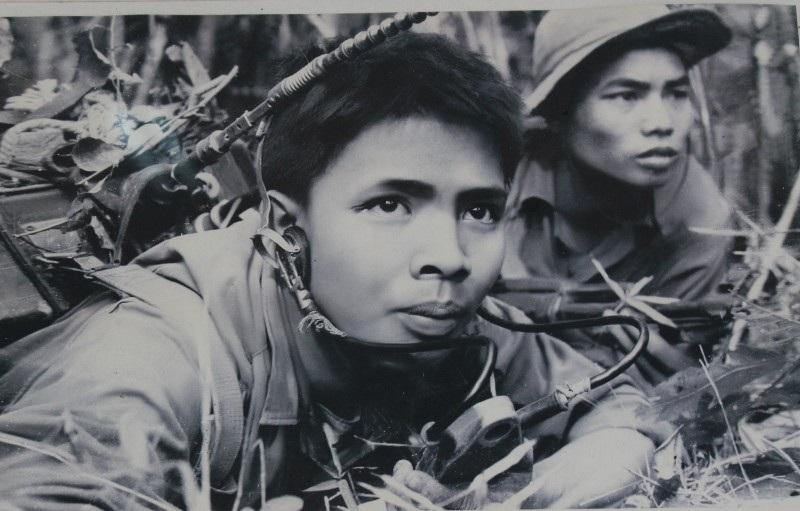 Chiến sĩ vô tuyến điện Hoàng Văn Vân phục vụ đắc lực cho chiến dịch đường 9 - Khe Sanh - Nam Lào