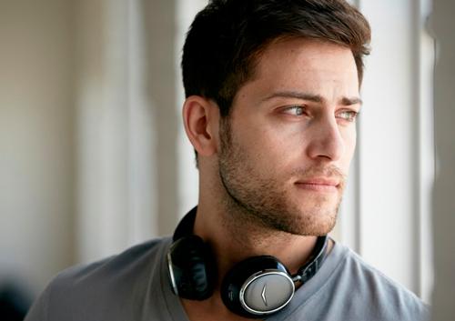 Những lý do bạn nên sử dụng tai nghe không dây - 1