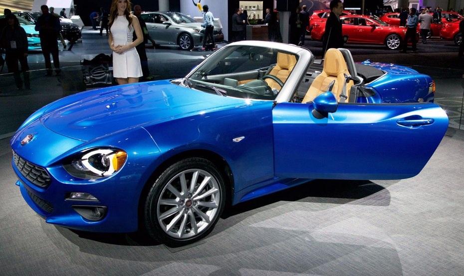 Chiếc Fiat 124 Spider được xây dựng trên nền tảng của Mazda MX-5 nhưng có phần nặng nề hơn