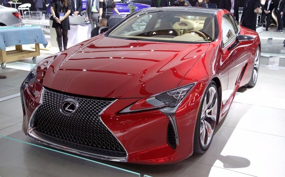 Sau khi nhận được những phản hồi tích cực với chiếc LF-FC Concept, Lexus đã tiến thêm một bước, giới thiệu chiếc LC500 với động cơ V8 mạnh mẽ