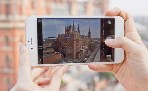 Hãy kiểm tra kỹ khả năng nghe gọi, khả năng bắt sóng Wi-Fi, camera, loa ngoài, cảm biến vân tay để đảm bảo trải nghiệm tốt khi sử dụng.