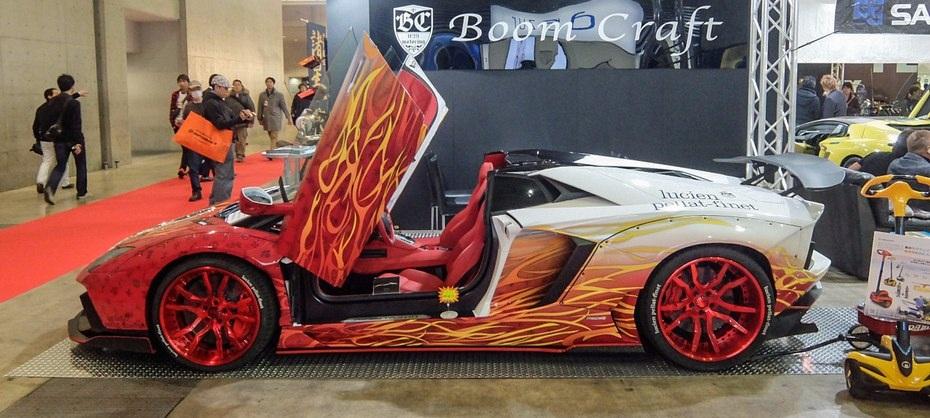 Lamborghini Aventador Roadster LP700-4 được độ theo phong cách bốc lửa ấn tượng
