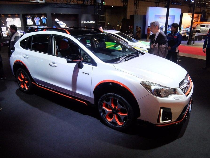 Concept xe Toyota XV HYBRID STI mang tới một động cơ xăng 150 ps và một động cơ điện 10kw cung cấp năng lượng cho cả 4 bánh