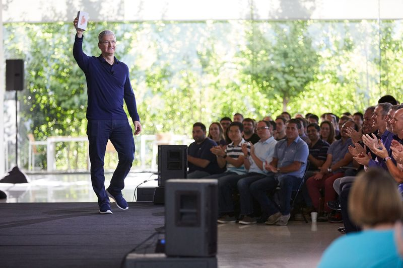 Apple cán mốc 1 tỷ chiếc iPhone được bán ra - 1