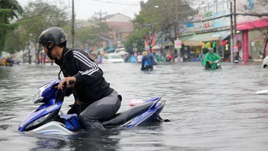Mẹo xử lý tình huống khi xe ngập nước, chết máy - 1