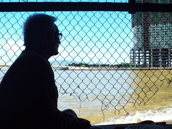 Được biết, hiện tỉnh Khánh Hòa đã đồng ý cho một doanh nghiệp làm dự án kinh doanh ở cồn Nhất Trí. Tuy nhiên, hầu hết người dân không đồng tình việc giải tỏa trắng mà chỉ đồng ý mở rộng đường và làm kè ven sông Cái.