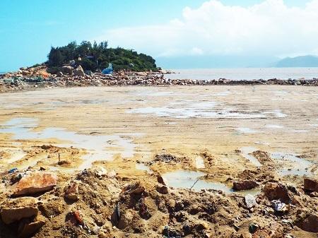 Dự án Công viên văn hóa - giải trí - thể thao Nha Trang Sao do Công ty CP Nha Trang Sao làm chủ, có tổng diện tích 10,3 ha (trong đó có 4,4 ha mặt đất, còn lại là mặt nước biển).