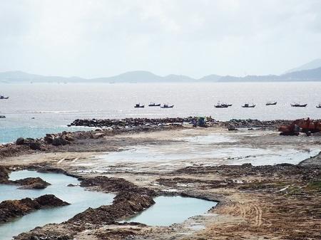 Ông Ngô Văn Dũng, Giám đốc điều hành Công ty CP Nha Trang Sao, khẳng định, những vị trí mặt biển đang triển khai nằm trong vị trí đã được các bộ, ngành cấp phép cho công ty này