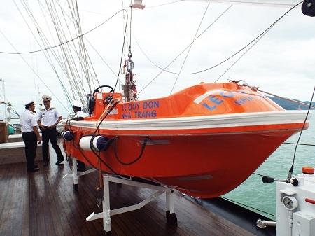 Xuồng cứu sinh của tàu buồm Lê Quý Đôn