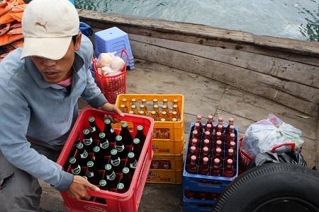 Hàng Tết đặc trưng đưa sang đảo Trí Nguyên