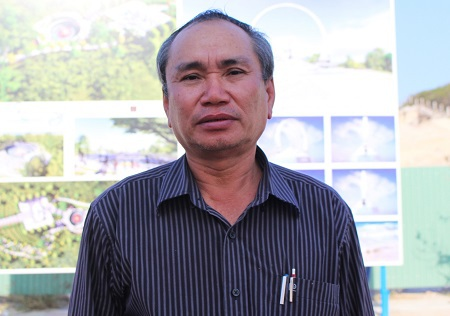 Ông Nguyễn Hòa, Chủ tịch Liên đoàn Lao động tỉnh Khánh Hòa, Thành viên Ban quản lý Khu Tưởng niệm Chiến sĩ Gạc Ma.