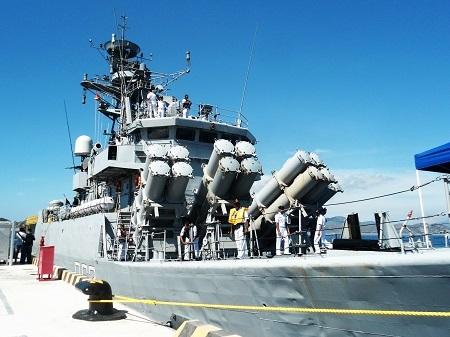 Hai chiến hạm Ấn Độ cùng thủy đoàn hơn 600 người thăm Cam Ranh - 4