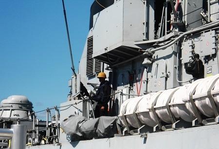 Hai chiến hạm Ấn Độ cùng thủy đoàn hơn 600 người thăm Cam Ranh - 6