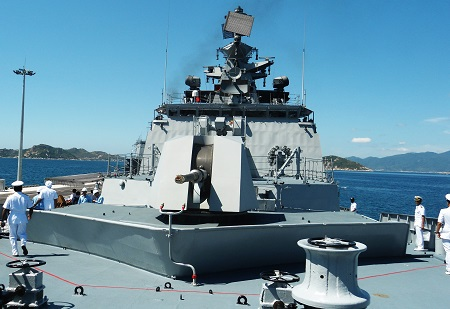 Hai chiến hạm Ấn Độ cùng thủy đoàn hơn 600 người thăm Cam Ranh - 9