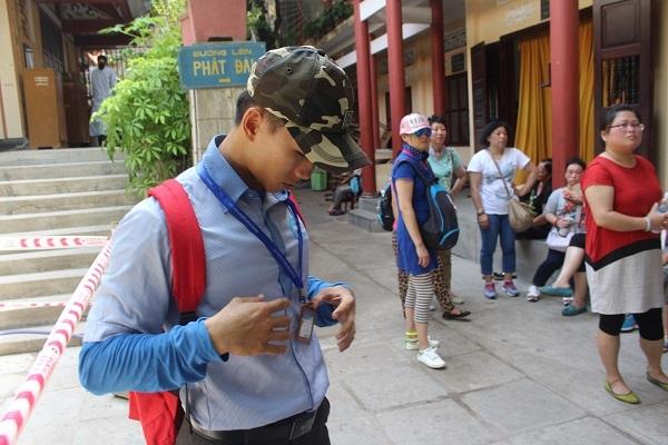 """Anh Huy, HDV du lịch tiếng Trung người Việt Nam ở TP Nha Trang cho biết, từng bức xúc vì người Trung Quốc xuyên tạc: """"Việt Nam tách ra từ Trung Quốc"""""""