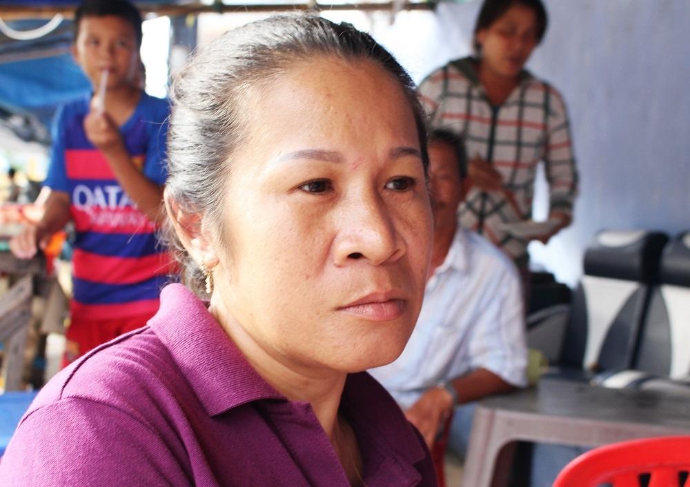 Chị Nguyễn Thị Lãng Như (phường Vĩnh Trường, TP Nha Trang) bày tỏ sự giận dữ sau vụ việc - Ảnh: Viết Hảo
