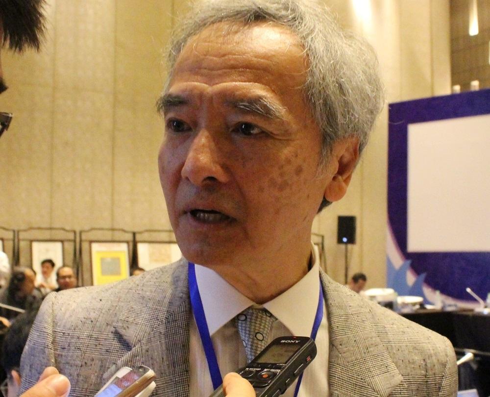 GS. Ngô Vĩnh Long, Đại học Maine (Mỹ) cho rằng, hành vi bắt bớ, ngược đãi ngư dân Việt Nam của tàu cá Trung Quốc là không chấp nhận được - Ảnh: Viết Hảo