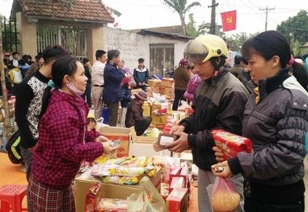 Chợ Thiều bắt đầu họp từ lúc 5h sáng cho đến chiều tối ngày 26 tháng Chạp âm lịch hàng năm, nhưng từ lúc 12h đêm của ngày hôm trước đã bắt đầu có người đến để bán hàng và mua hàng. Chợ đông người nhất vào 8 - 9h sáng ngày 26 tháng Chạp.