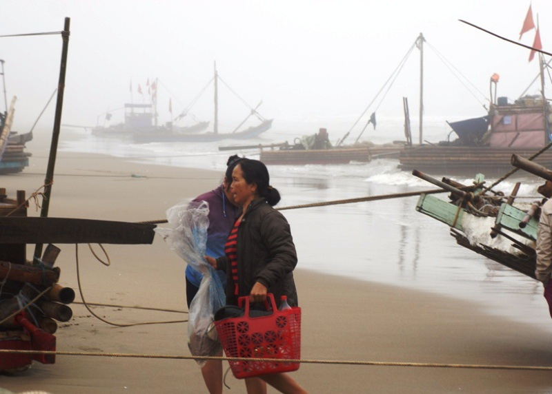 Việc neo đậu tàu thuyền trong phạm vi quy hoạch, chỉnh trang lại phương tiện phải đảm bảo mỹ quan.