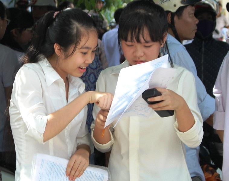 Các thí sinh tham dự kỳ thi vào lớp 10 THPT năm 2015