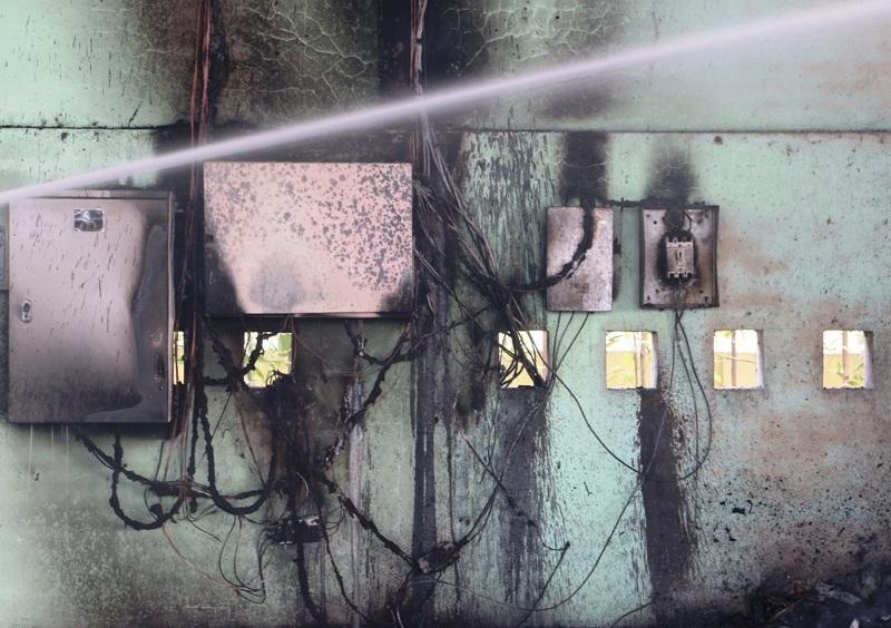 Tủ điện bị cháy rụi