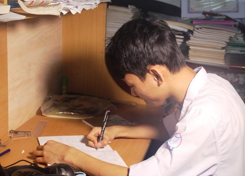 Em Lê Đình Nguyên đạt điểm 3 môn tổ hợp xét tuyển đại học cao nhất cụm thi số 34