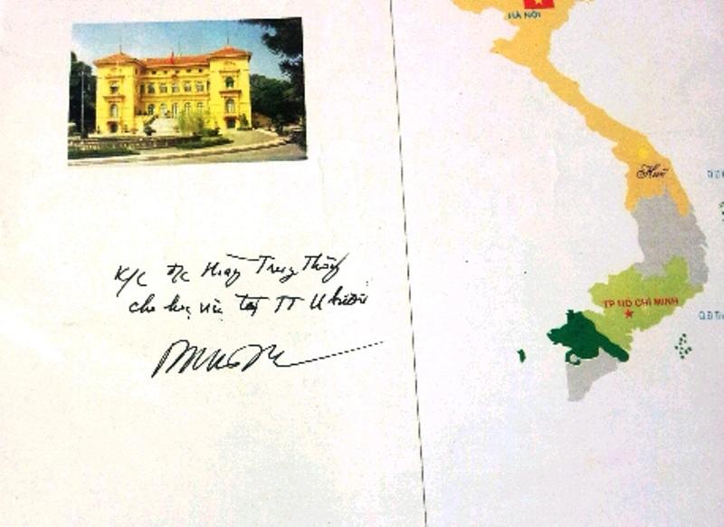 Trên bao bì hồ sơ có bút phê được cho là của ông Hoàng Sỹ Bình