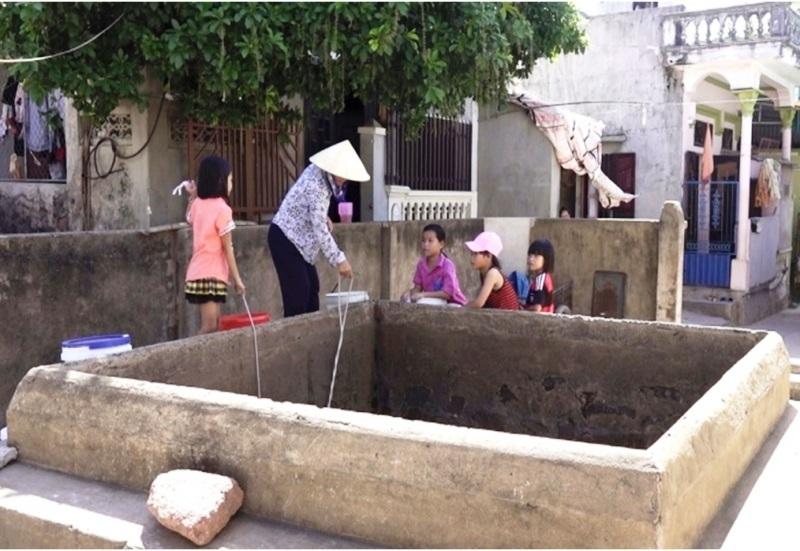 Bao đời nay, những giếng cổ này vẫn được người dân sử dụng