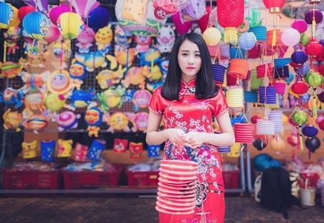 """""""Bạn gái màn ảnh"""" của Sơn Tùng MTP rạng rỡ dạo phố Trung thu - 7"""