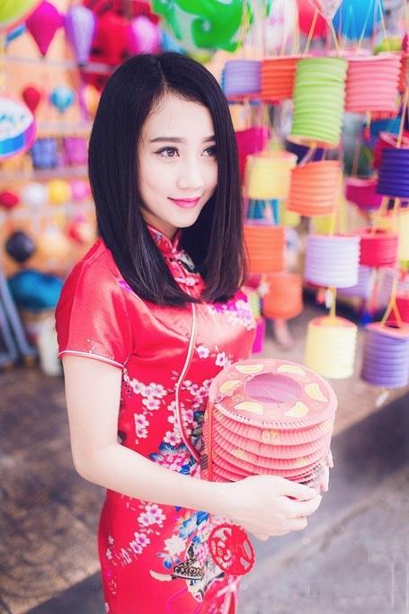 """""""Bạn gái màn ảnh"""" của Sơn Tùng MTP rạng rỡ dạo phố Trung thu - 8"""