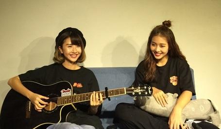 Quỳnh Anh là người chủ động rủ rê cô bạn thân Khả Ngân thực hiện clip ngắn này.