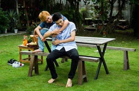 Trong tình yêu, không gì là không thể. Ai cũng có thể khát khao tình yêu và xứng đáng có được tình yêu.