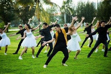 Chuyện tình yêu đồng tính qua MV của quán quân Vietnam Idol - 4