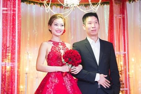 Nói về ông xã, Diễm Trang cho biết, bản thân cảm thấy rất an toàn khi được ở cạnh anh, cô luôn được anh yêu thương, chiều chuộng và động viên trong mọi cuộc sống hằng ngày.