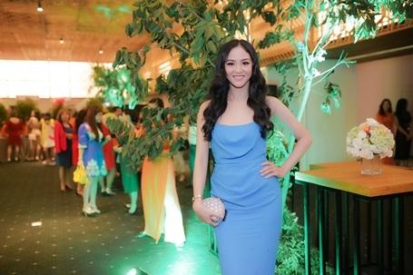 Người đẹp Phan Thị Lý thon gọn sau lần thứ 2 sinh nở.