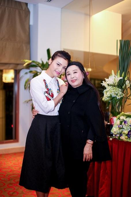 Phạm Thanh Thảo cùng NSND Thu Hiền