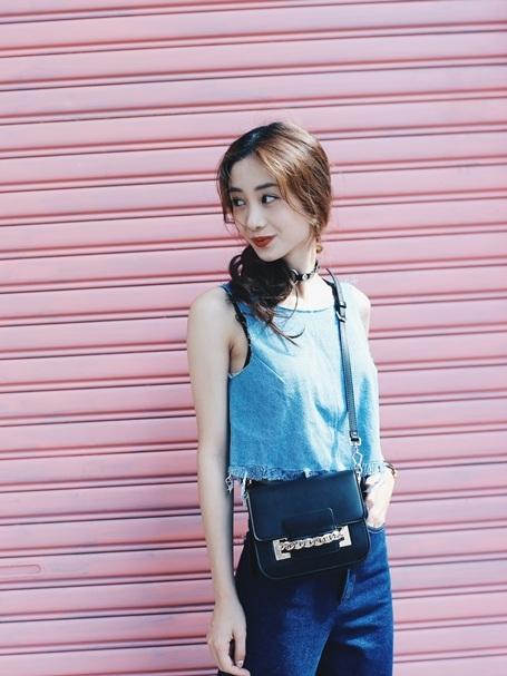 """Jun Vũ khéo léo kết hợp đồ jeans theo style """"denim-on-denim""""."""