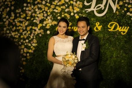 Trong tiệc cưới, MC Bình Minh đã điểm lại 2 dấu mốc quan trọng trong năm 2015 của cặp đôi Hoàng Duy - Trang Nhung là sự ra đời của bé Vani - kết tinh tình yêu của cặp đôi và việc công chiếu bộ phim Ma Dai do Hoàng Duy làm đạo diễn với sự tham gia của các diễn viên Đức Thịnh, Ngân Khánh, Hoài Linh, Thái Hòa, Kiều Oanh, Hari Won…