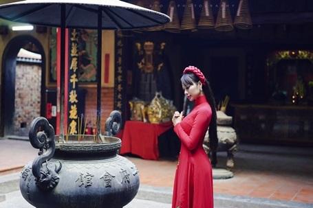 Hoa hậu Điện ảnh 9X thướt tha áo dài đón xuân - 12