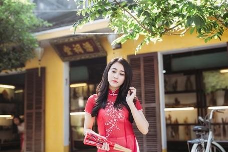"""""""Bạn gái màn ảnh"""" của Sơn Tùng MTP rạng rỡ xuống phố xuân - 7"""