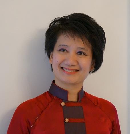 Nhạc sỹ Đặng Hồng Anh - người phụ nữ Hà Nội lớn lên ở phố Tô Tịch ngay sát Hồ Gươm.