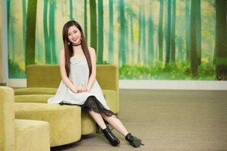 Nữ ca sỹ cảm thấy bản thân may mắn khi tới thời điểm giáp Tết cô được mời ghi hình trong nhiều chương trình truyền hình đặc sắc.