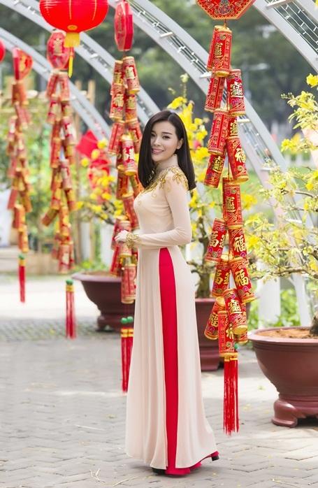 Top 5 nữ hoàng trang sức dịu dàng trong sắc xuân Nam Bộ - 4