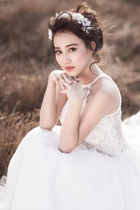 """""""Bạn gái"""" Sơn Tùng MTP cuốn hút trong bộ ảnh cô dâu một mình - 7"""