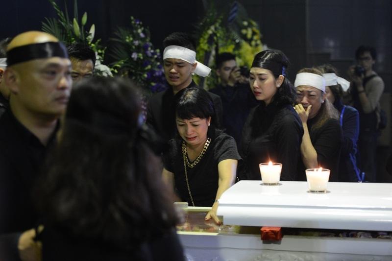Những hình ảnh xúc động tại lễ tang nhạc sĩ Thanh Tùng - 6