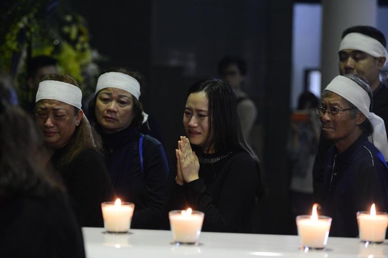 Những hình ảnh xúc động trong lễ tang.